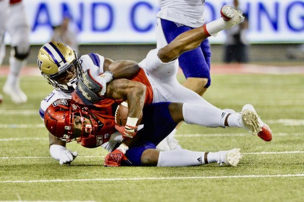 Huskies Corral Tate In Convincing 51-27 Victory Over Arizona